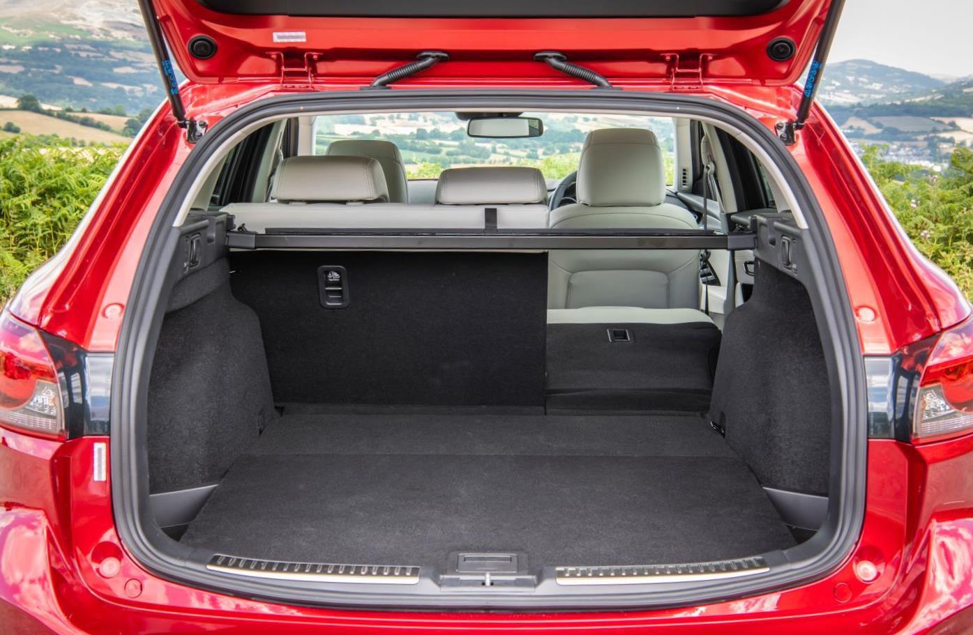 Mazda6 luggage area