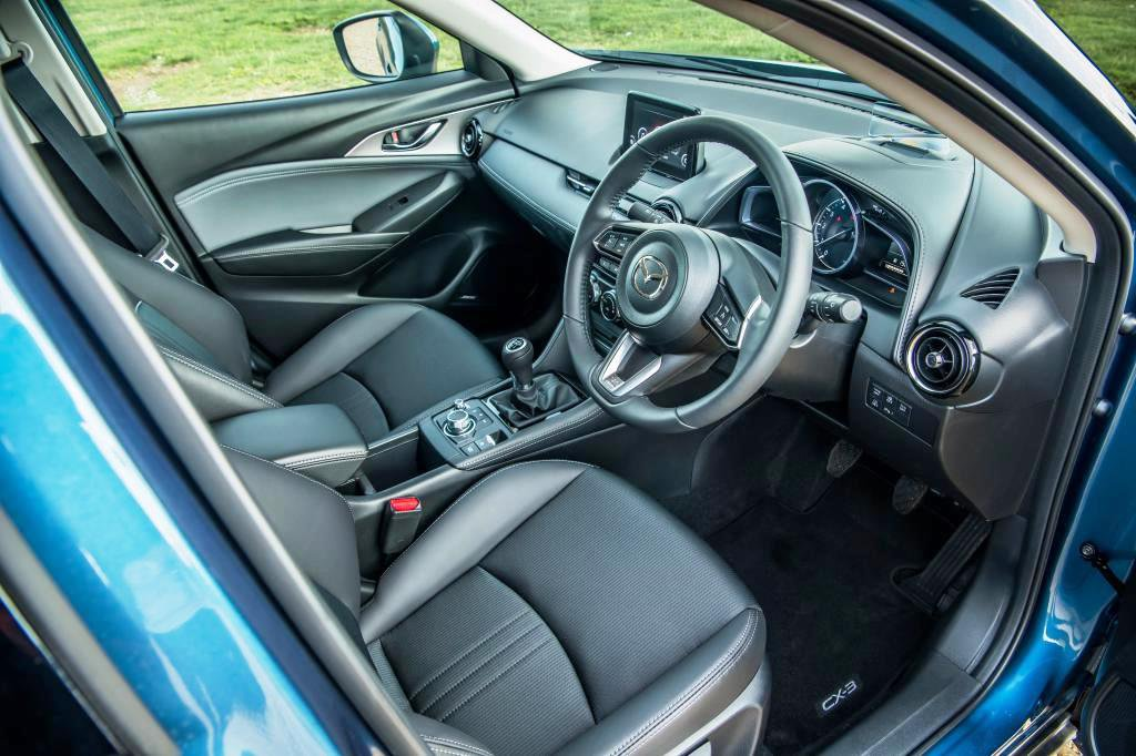 Mazda CX-3 front seat and dash