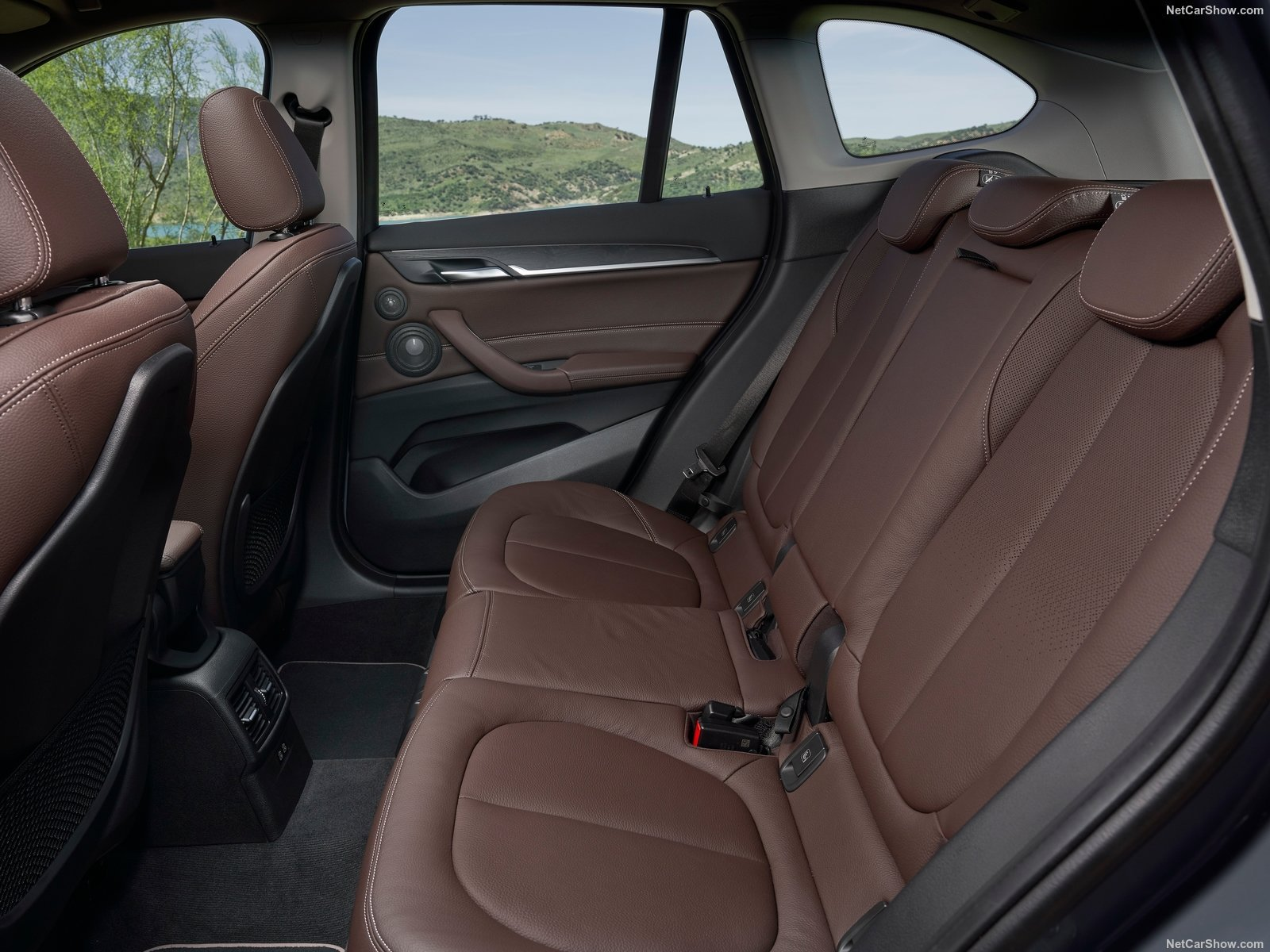 BMw x1 Rearseats