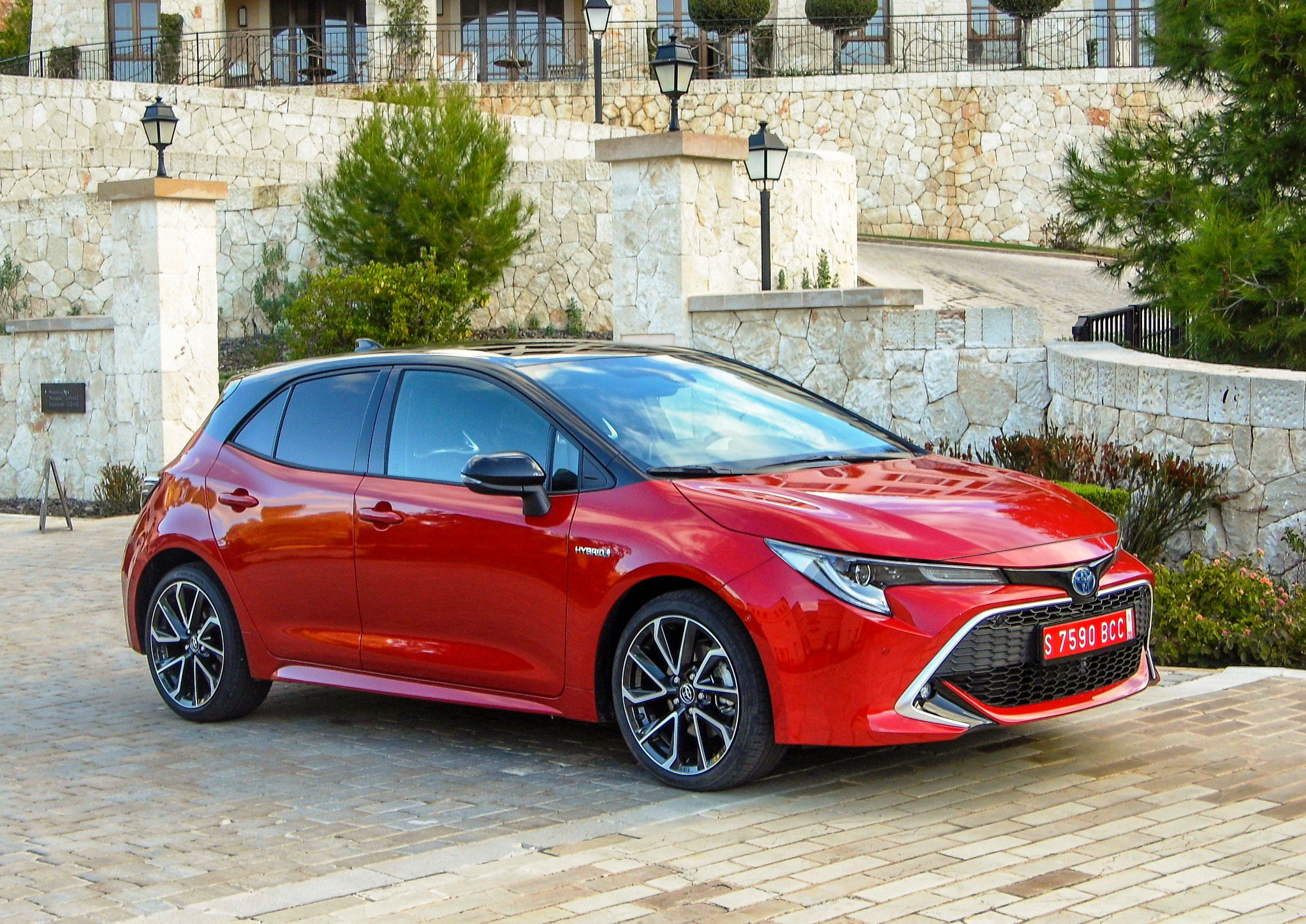 Toyota Corolla Hatchback side