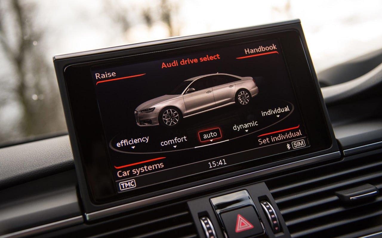 Audi A6 Avant infotainment