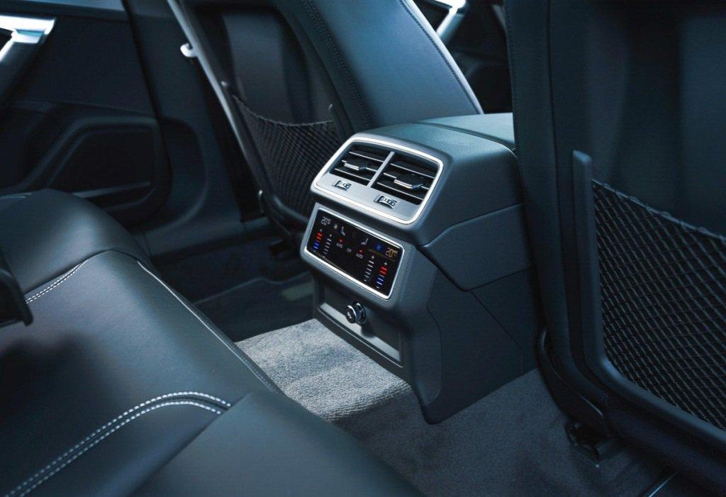 Audi A6 Avant rear climate controls and centre armrest