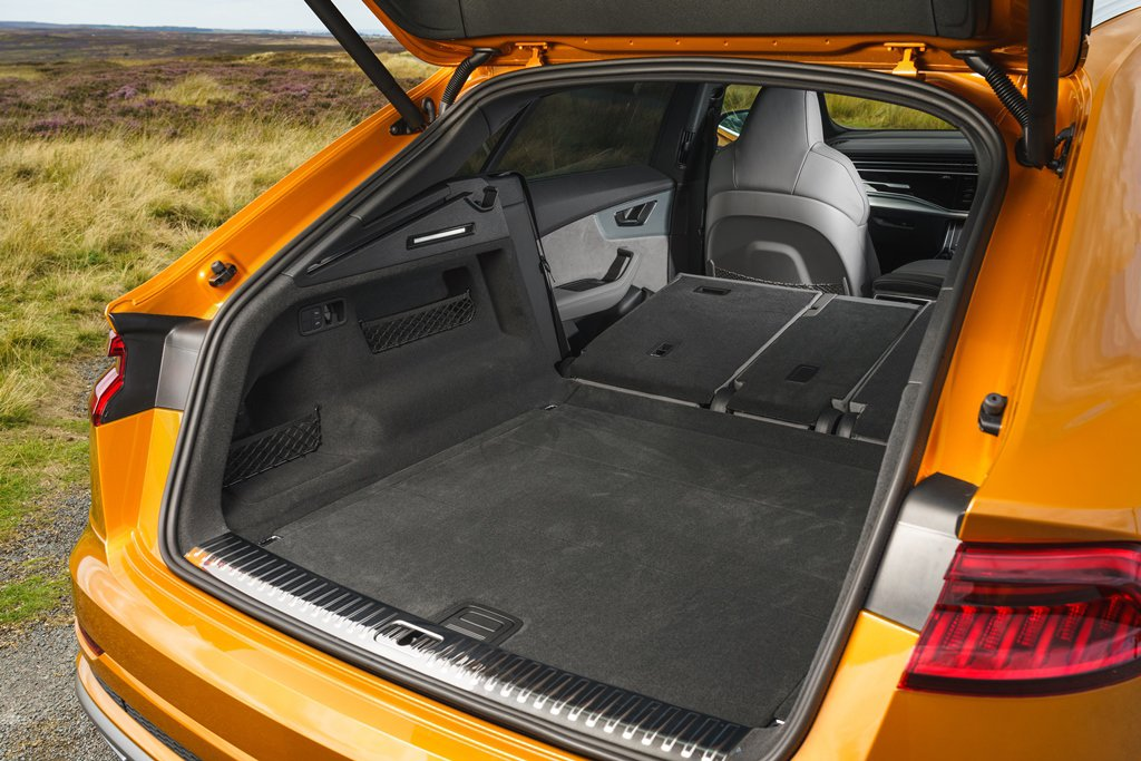 Audi Q8 luggage area