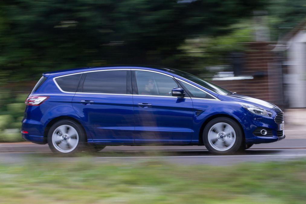 Ford S-MAX Blue on road