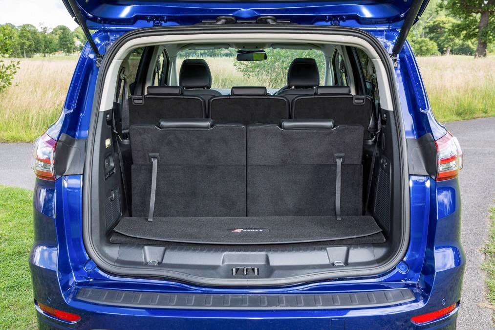 Ford S-MAX rear luggage area