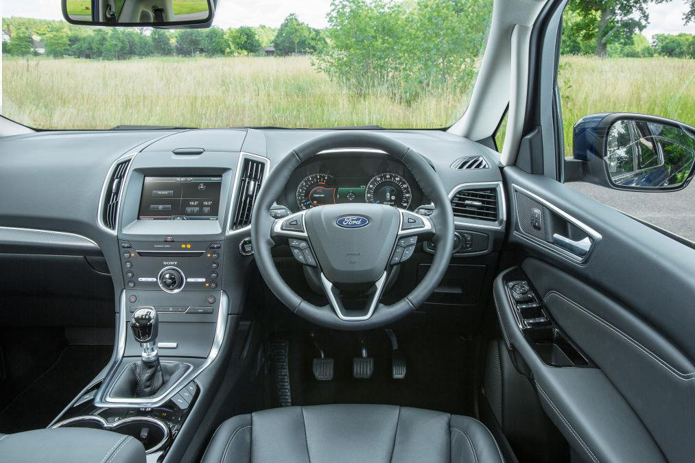 Ford S-MAX Dash and cabin