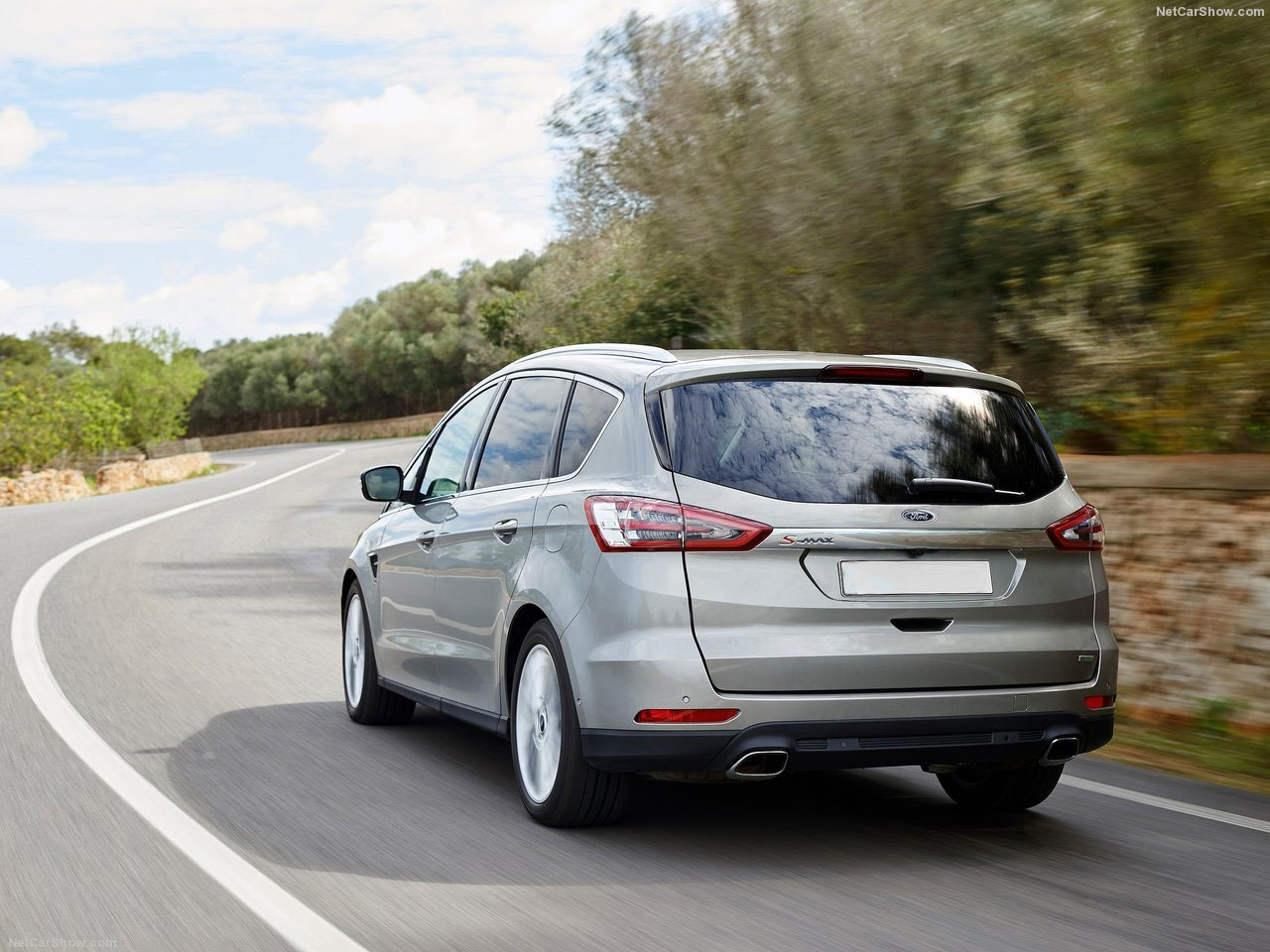 Ford S-MAX silver rear