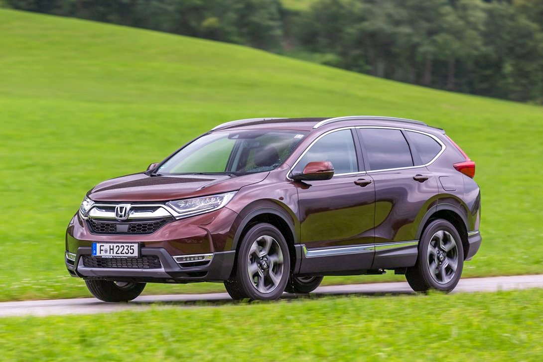 Honda CR-V side view moving