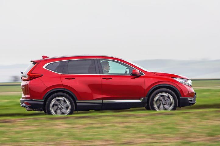 Red Honda CR-V side view