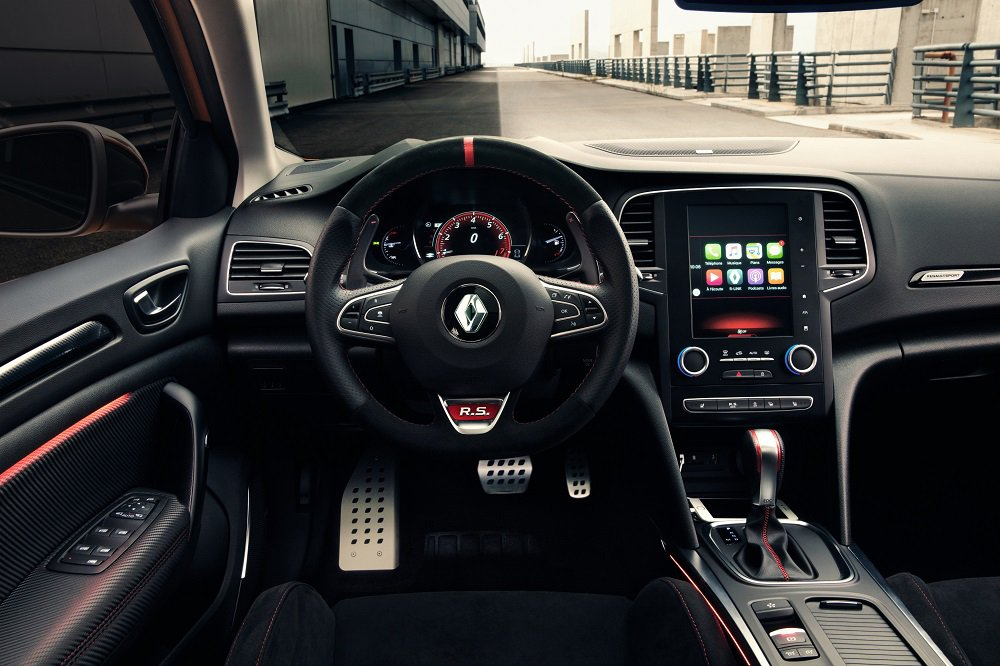 Renault Megane R.S cabin and dashboard