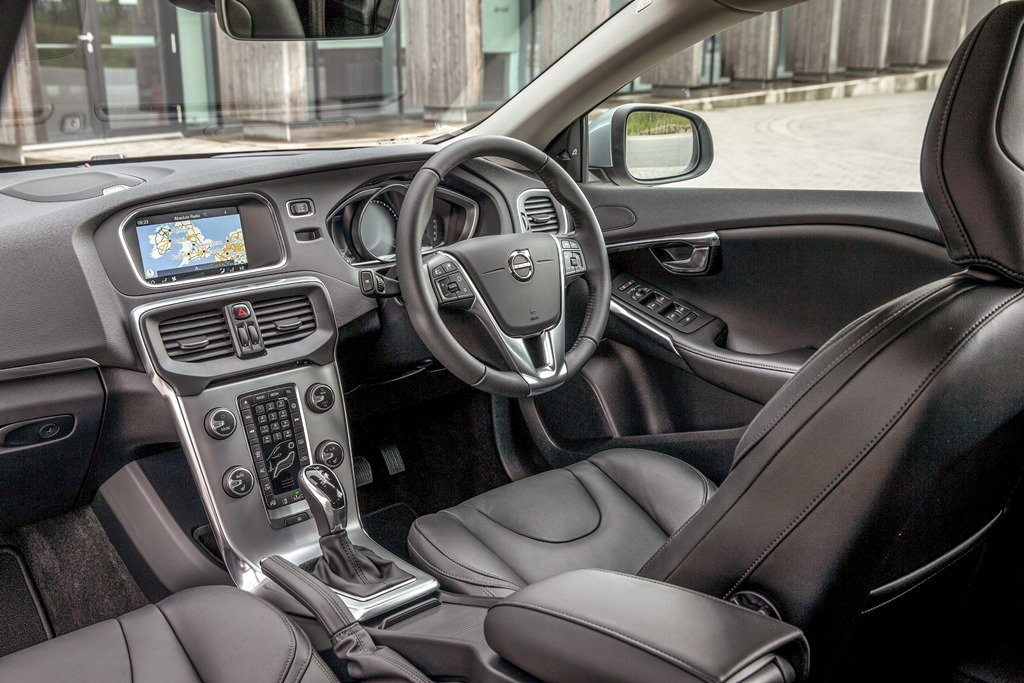 Volvo V40 drivers seat area