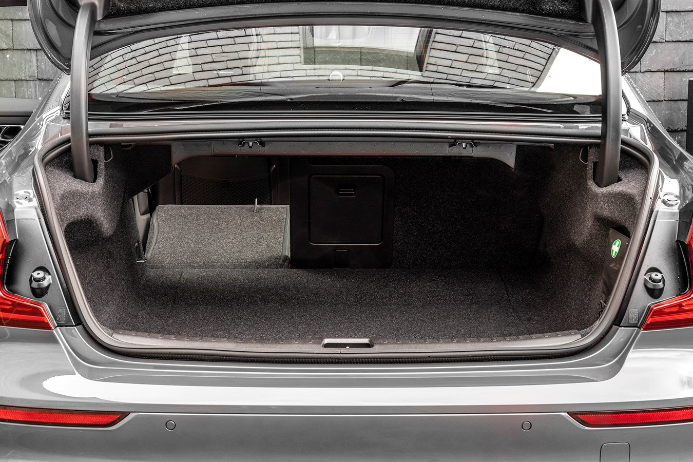 2019 Volvo S60 luggage space