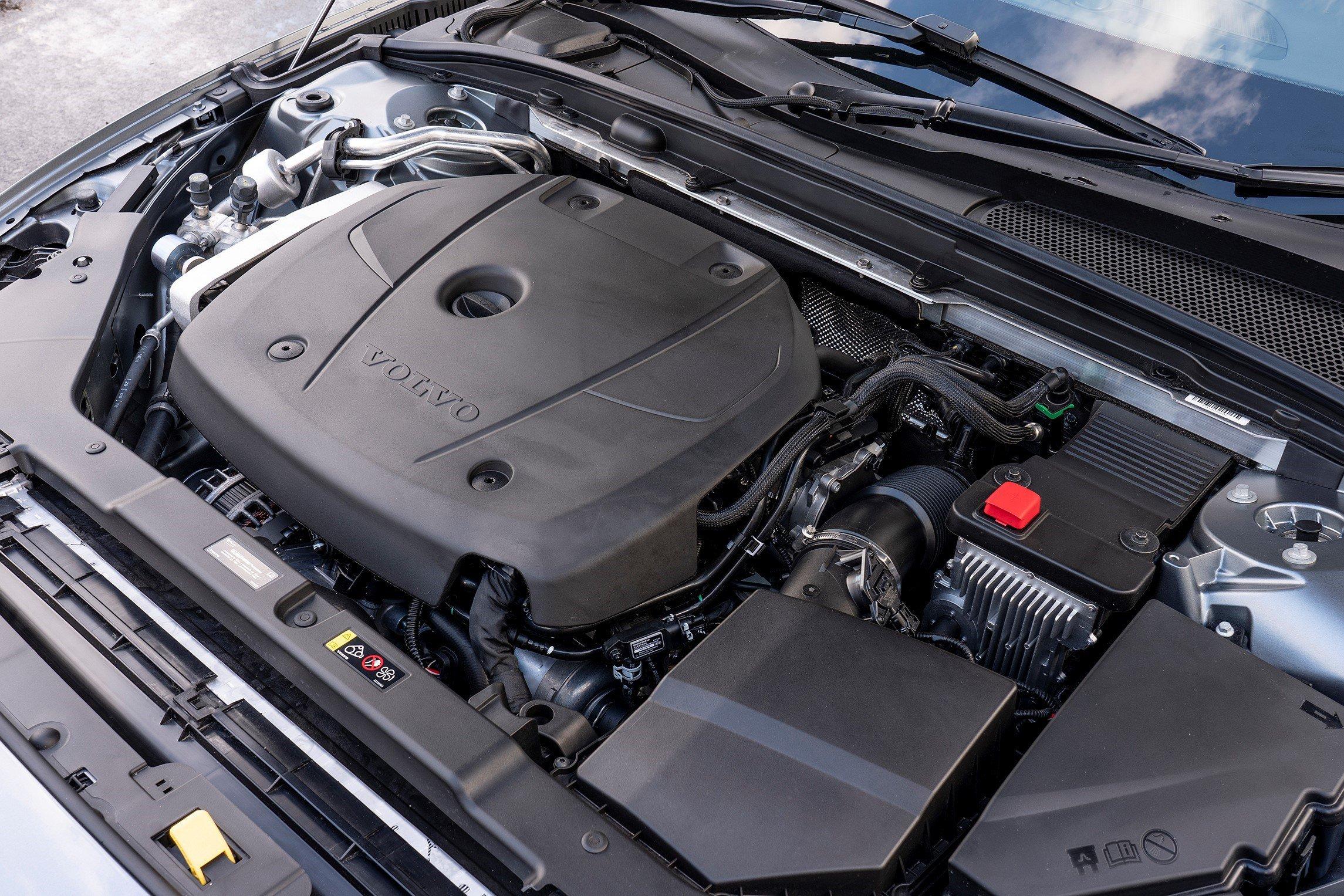2019 Volvo S60 T5 engine bay