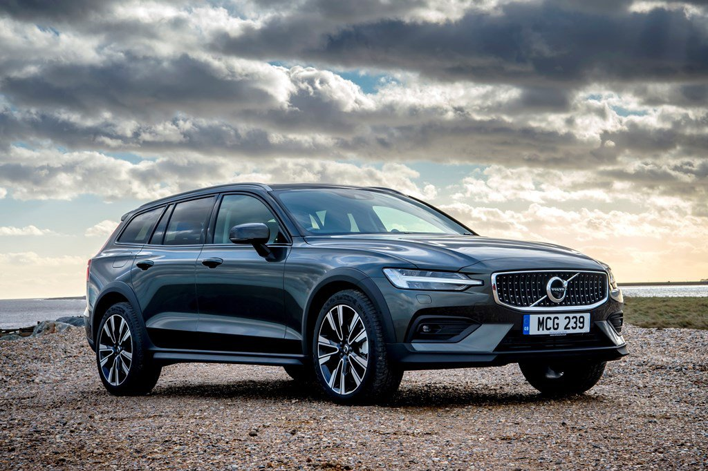 2019 Volvo V60 Cross Country static