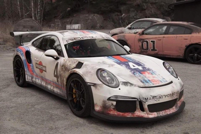 Porsche 911 GT2 with destress Martini Livery