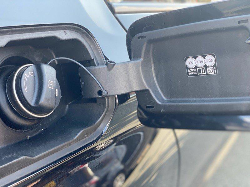 E5 E10 Fuel Flap